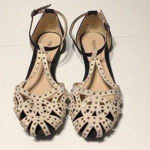 3/$20 Maurices Shoes Studded Black Ivory Size 8
